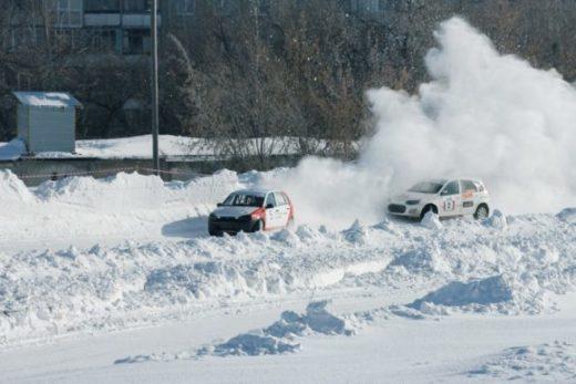 300 тысяч рублей разыграют пилоты трековых гонок в Барнауле